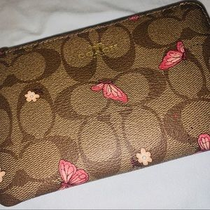 Wristlet! Coach NWT! Butterfly 🦋 Edition